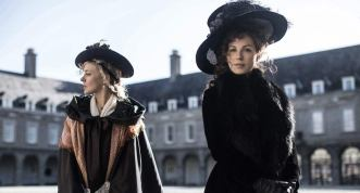 Period Pieces: Beckinsale, Sevingny in Mhaoldomhnaigh 18th Century Fashion
